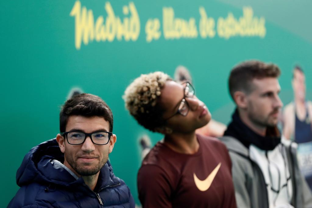 De izquierda a derecha, Adel Mechaal, Yulimar Rojas y Álvaro de...