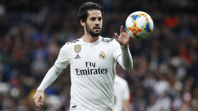 Isco during a match this season.