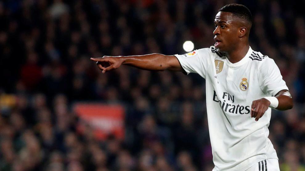 Vinicius durante su partido en el Camp Nou