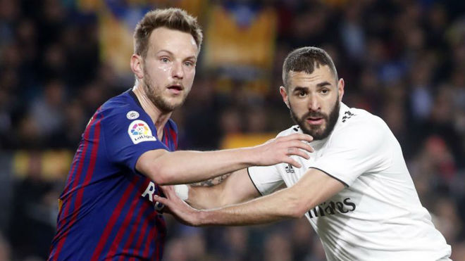 Benzema and Rakitic in the Clásico.