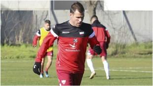 Ortuño, en un entrenamiento con el Extremadura