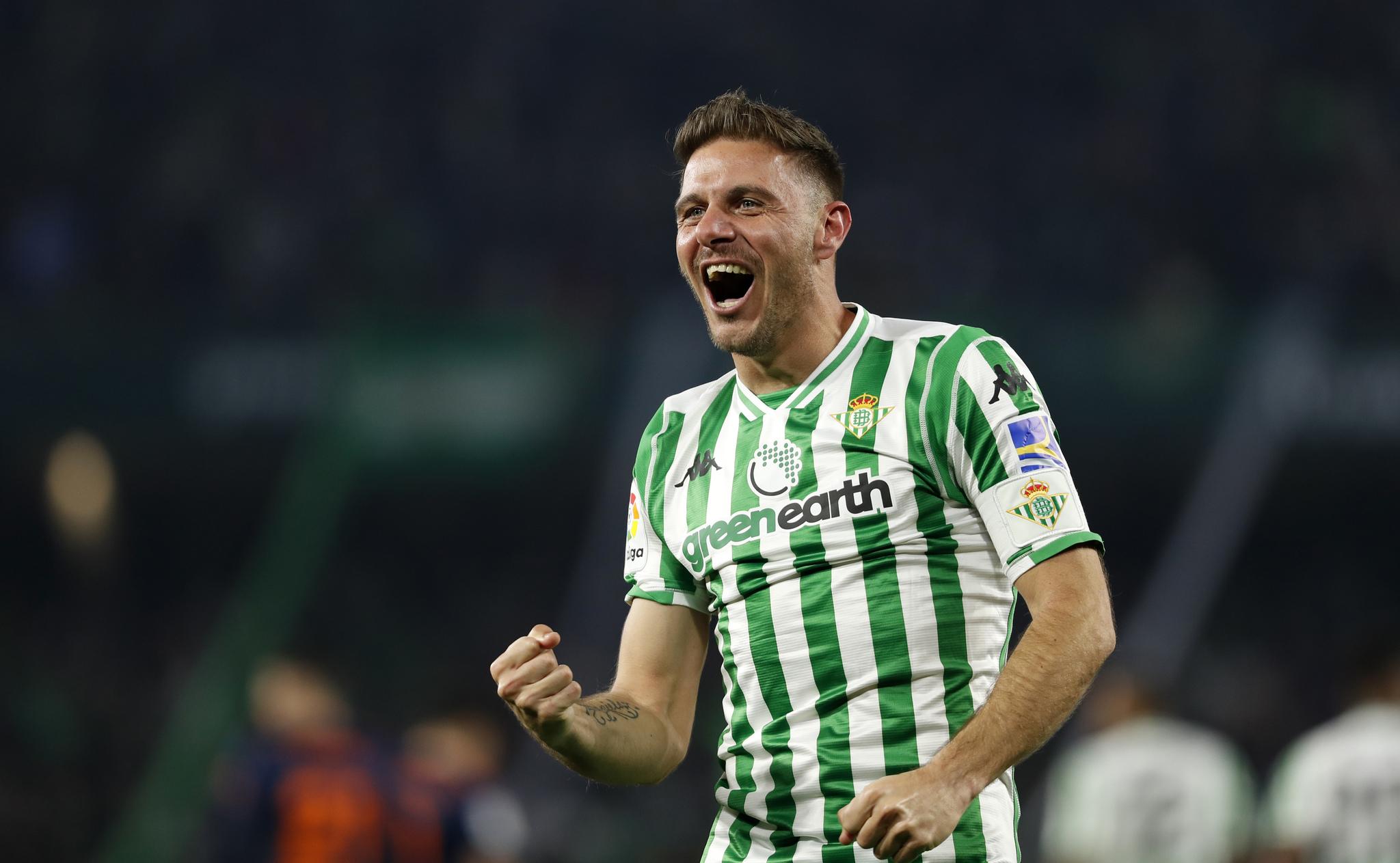 Joaquín celebra su gol olímpico al Valencia