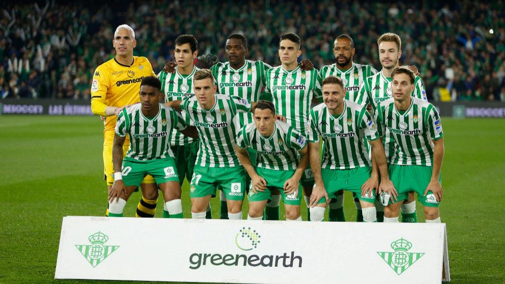 El once titular del Betis ante el Valencia.