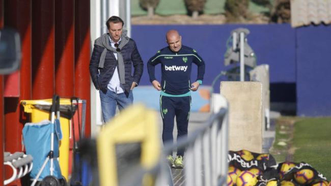 El presidente Quico Catalán y el entrenador Paco López este sábado...
