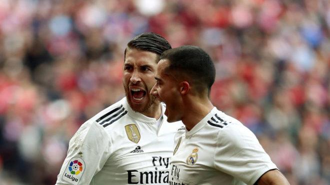 Ramos y Lucas Vázquez, celebrando un gol en el derbi.