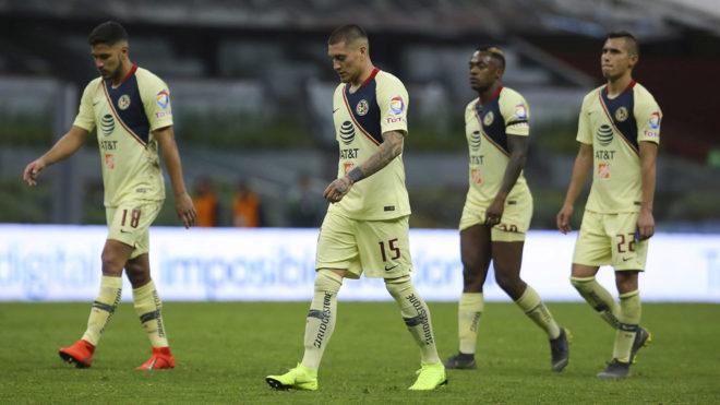 Los jugadores americanistas tras la derrota ante el León