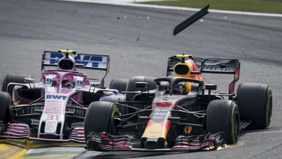 Momento del choque entre Verstappen y Ocon en el GP de Brasil 2018.