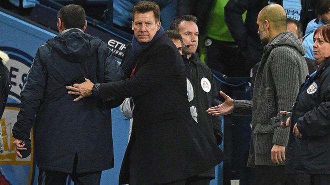 Sarri no saluda a Guardiola tras el partido.