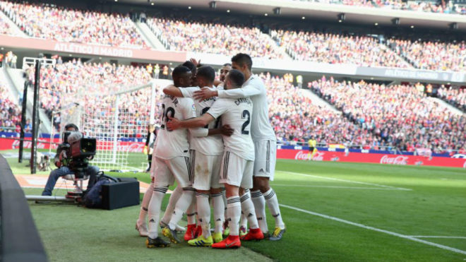 Los jugadores del Madrid celebran uno de los goles en el Wanda