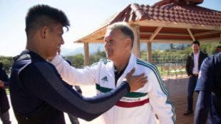 Gallardo saluda a Gerardo Martino/