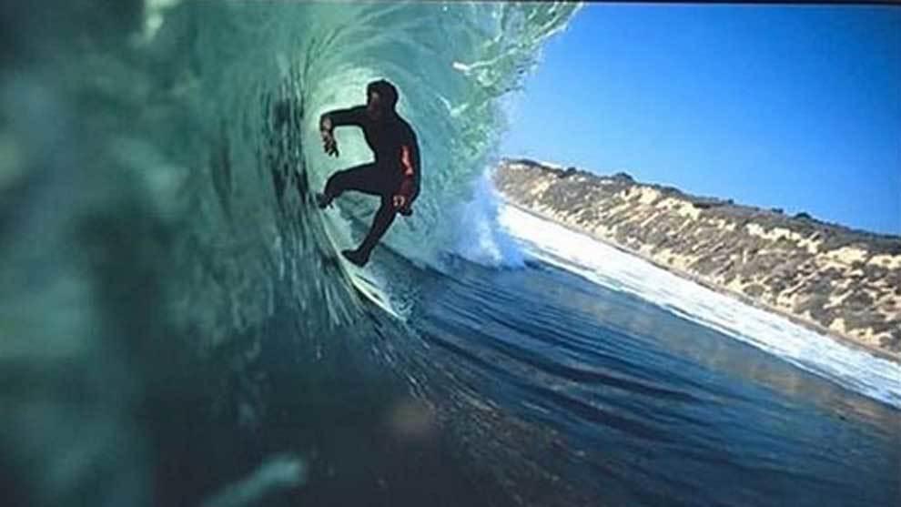 Chris Brown, leyenda del surf que ha muerto a los 48 años tras caerse...