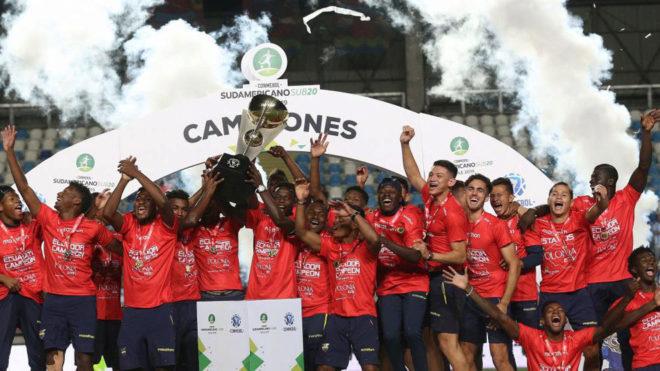 Los jugadores de Ecuador celebran el título del Sudamericano sub 20.