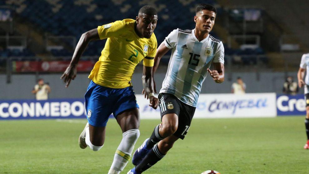 Emerson, anoche frente a Argentina
