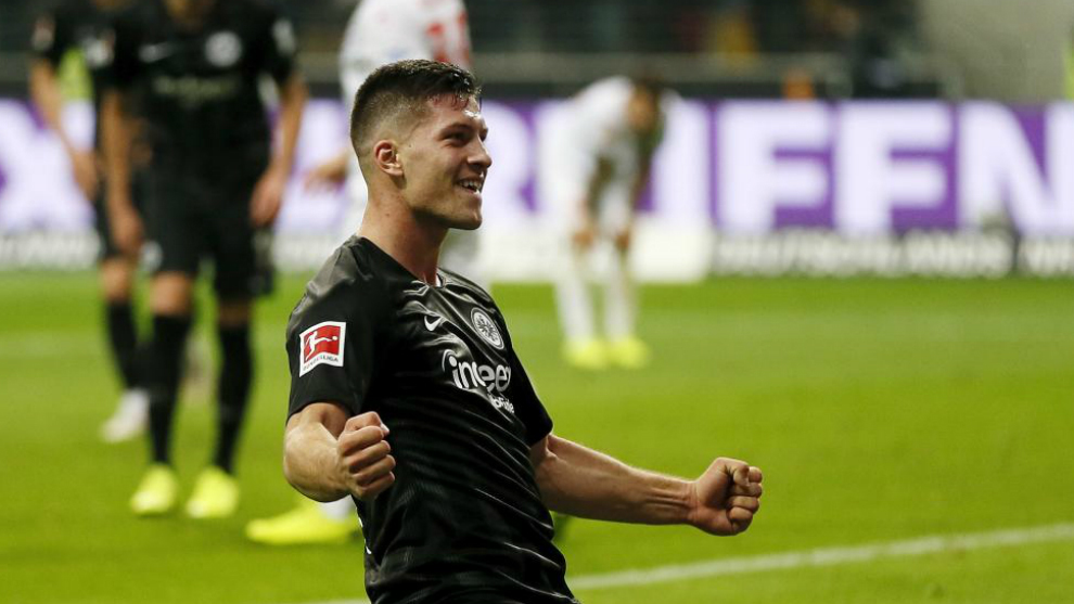 Barcelona 'win the race to sign Eintracht Frankfurt striker Luka Jovic'