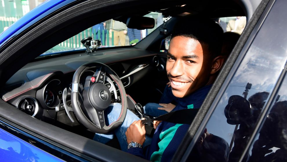 Junior, en un Alfa Romeo