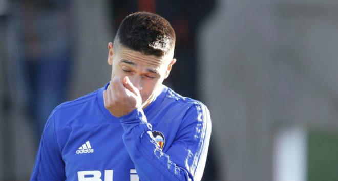 Roncaglia no podrá jugar con el Valencia en Europa hasta cuartos de final