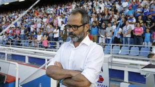 Un pensativo Álvaro Cervera en el Heliodoro Rodríguez López