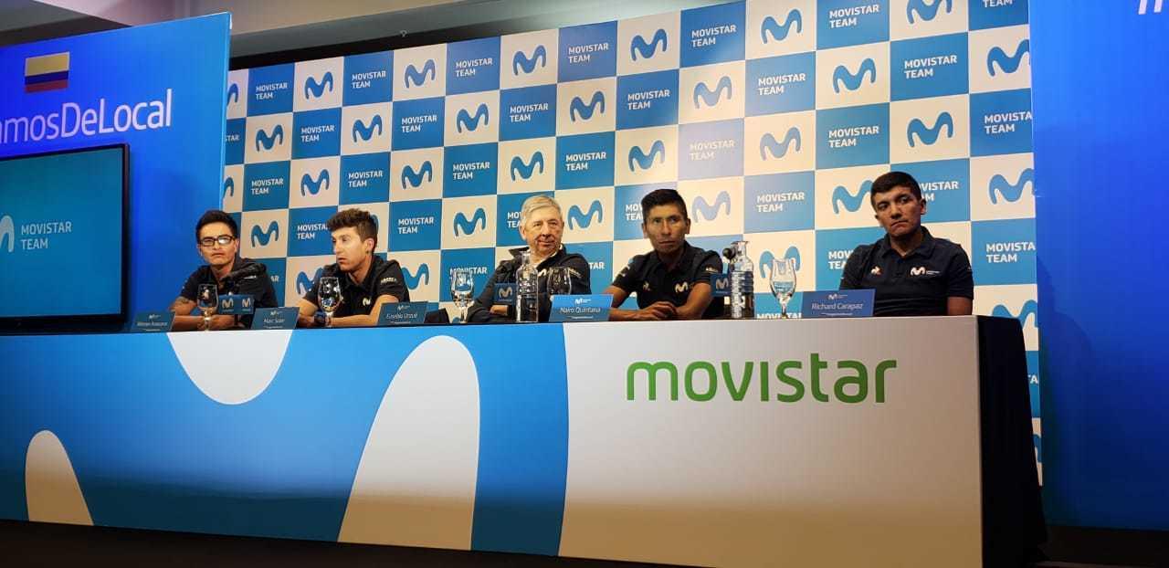 Los representantes del Movistar Team ante los periodistas en su hotel...