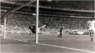 La espectacular parada de Gordon Banks a Pelé en México'70.