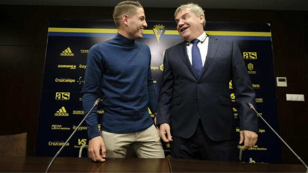 Manu Vallejo y Manuel Vizcaíno, en la rueda de prensa que dieron hoy,...