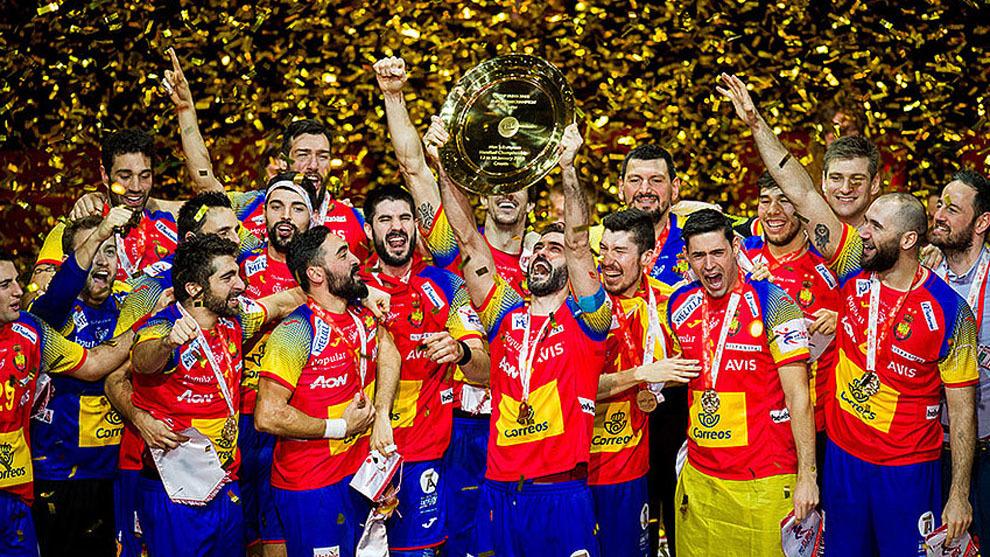 La selección española celebra el oro en el Europeo de 2018