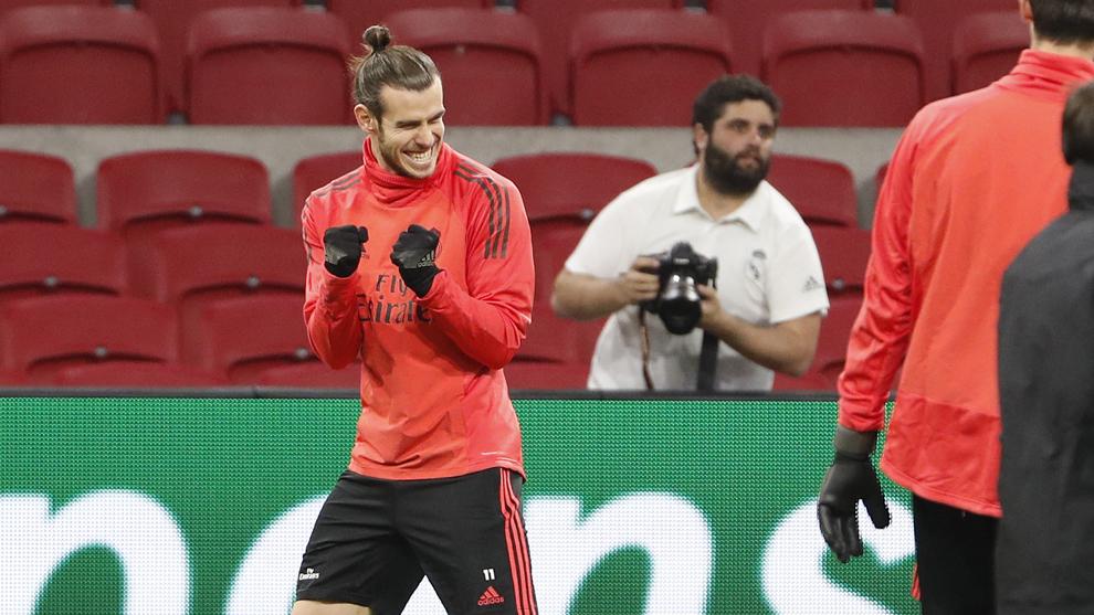 Bale, durante el entrenamiento del Madrid en el Johan Cruyff Arena.