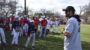 El Titán aconseja a las jóvenes promesas del béisbol mexicano