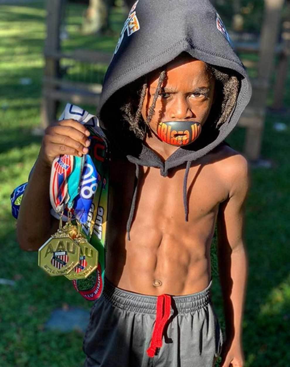 Niño de 7 años se acerca al récord mundial de Usain Bolt