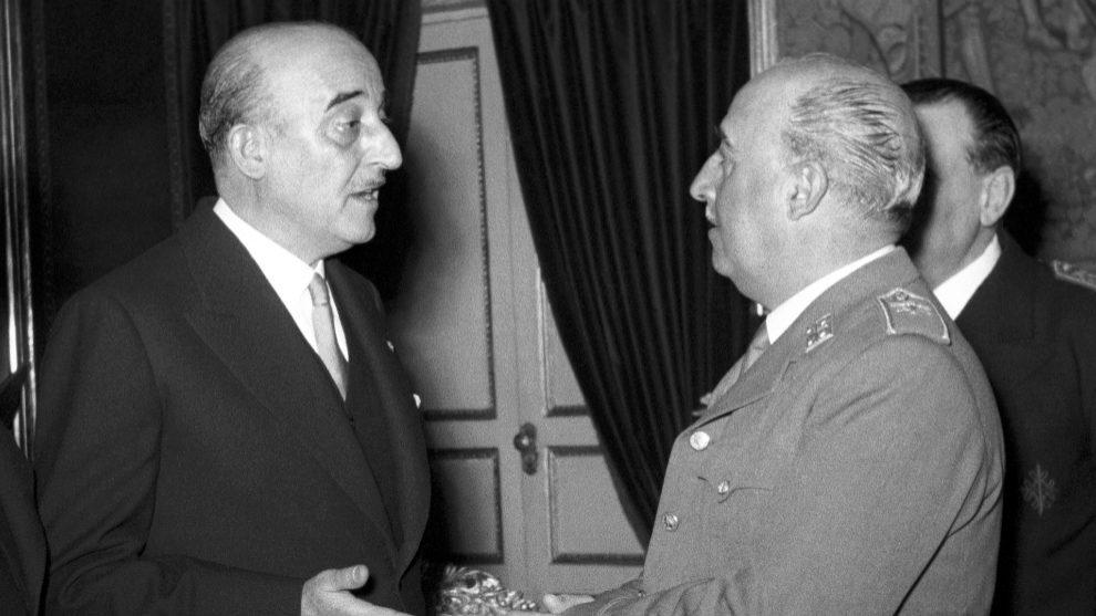 Francisco Franco conversando con el entonces presidente del Barcelona C.F 49d8e195d20b