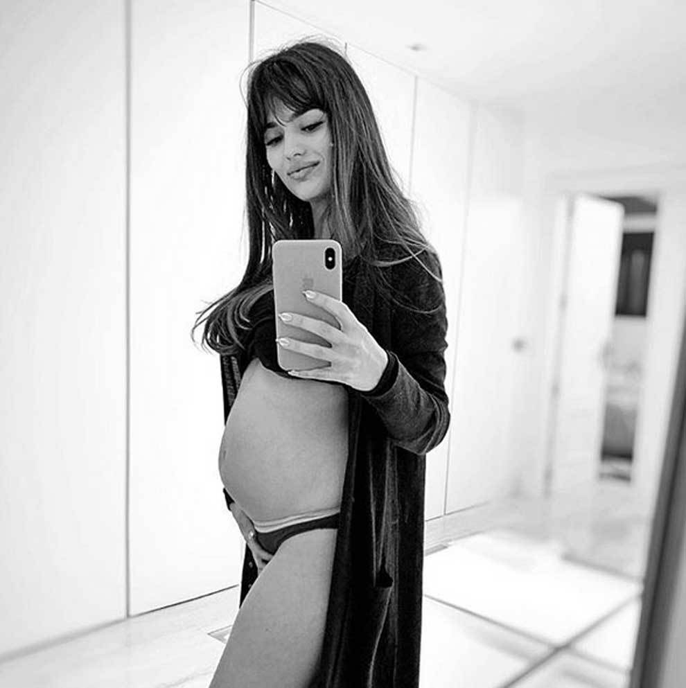 La actriz Sara Sálamo, la novia de Isco Alarcón, presume de embarazo...