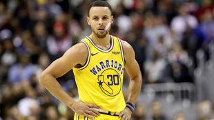 Stephen Curry no pudo evitar la derrota de los Warriors