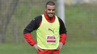 Pedro León sonríe en un entrenamiento.