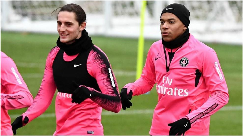 Rabiot se ejercita junto a Rabiot antes de visitar al United.