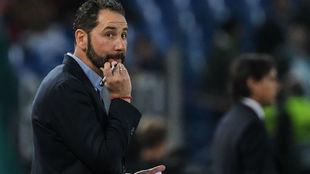 Pablo Machín (43) toma notas en el Lazio-Sevilla.
