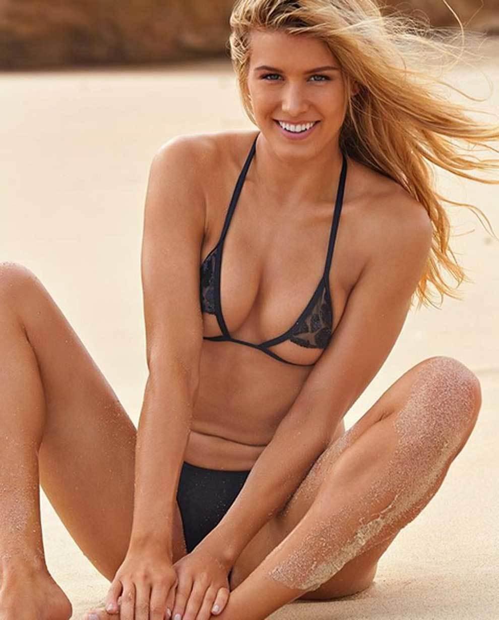Genie Bouchard posa en bikini el Día de San Valentín