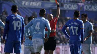González Fuertes expulsa a Maxi.