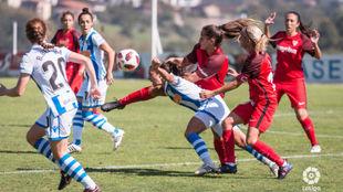 Lance del Real Sociedad-Sevilla liguero disputado en Zubieta.