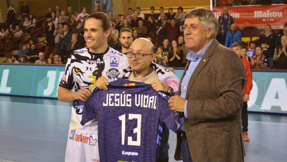 El actor Jesús Vidal, aficionado ademarista, fue nombrado Socio de...