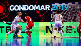 Vane Sotelo celebra el primer gol ante Rusia.