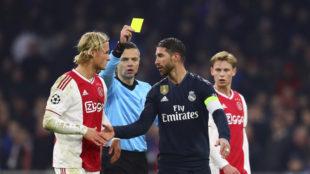 La tarjeta que vio Ramos en el Johan Cruyff ArenA por derribar a...