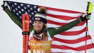 Mikaela Shiffrin, campeona del mundo de slalom por cuarta vez...