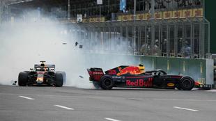 El choque entre Ricciardo y Verstappen en el GP de Azerbaiyán.