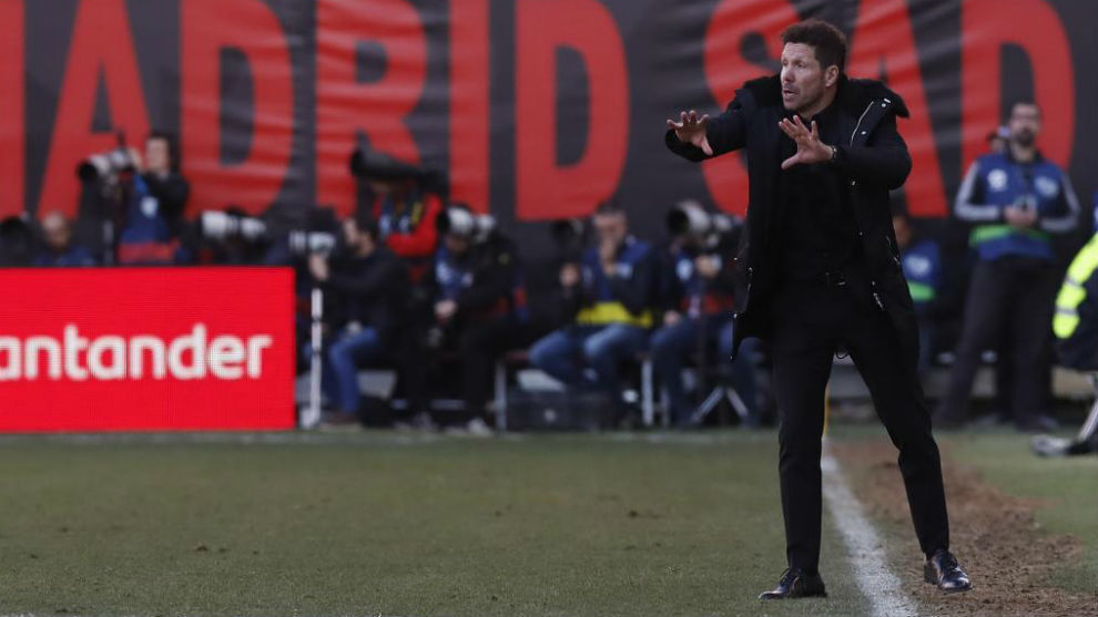 Simeone, en el estadio de Vallecas.