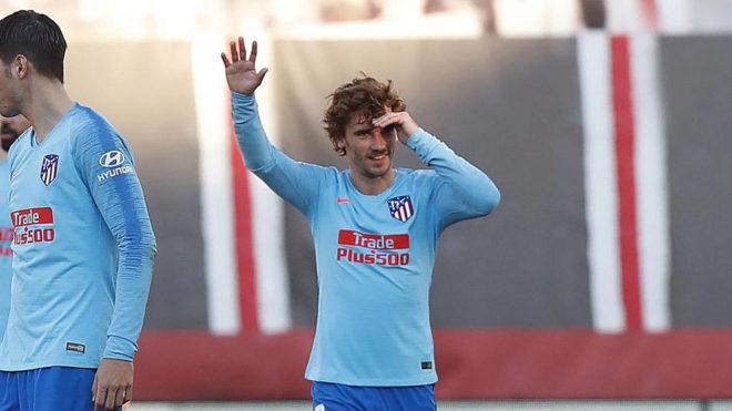 Griezmann celebrates his goal at Vallecas.