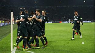 Los jugadores del Real Madrid celebran un gol ante el Ajax esta...