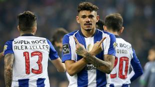 Tiquinho Soares celebra su tanto al Vitória Setúbal