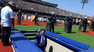Miguel Herrera discutió con el fotógrafo después del partido