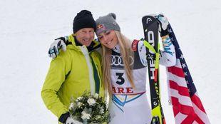Ingemar Stenmark junto a Lindsey Vonn tras el descenso que supuso la...