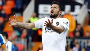 Garay, durante el choque de LaLiga ante el Espanyol.
