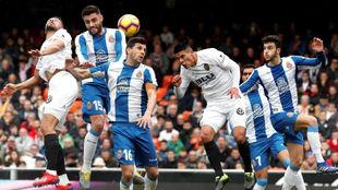 Imagen del encuentro entre el Valencia y el Espanyol